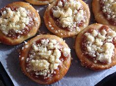 Blog o pečení všeho sladkého i slaného, buchty, koláče, záviny, rolády, dorty, cupcakes, cheesecakes, makronky, chleba, bagety, pizza. Cake Art, Food Art, Doughnut, Baked Potato, Sweet Recipes, Cheesecake, Deserts, Muffin, Sweets