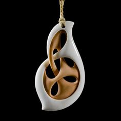 Whanau • Path of Life Pendant by Kerry Kapua Thompson, Māori artist (NZ140304) Bone Crafts, Crafts To Do, Arts And Crafts, Whittling Wood, Craft Cabinet, Old Art, Wood Carving, Art Decor, Jewelry Art