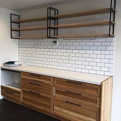 Kitchen Sets, Home Decor Kitchen, Kitchen Interior, New Kitchen, Kitchen Design, Welded Furniture, Iron Furniture, Furniture Design, Aluminum Kitchen Cabinets