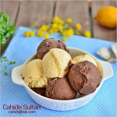 Easy Ice Cream Recipe - Wilson is Home Meat Cooking Times, Cooking Bread, Blackberry Ice Cream, Coconut Ice Cream, Easy Ice Cream Recipe, Ice Cream Recipes, Cupcake Recipes, Cupcake Cakes, Dessert Recipes