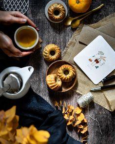 """••✶🧁𝒸𝑜𝑜𝓀𝒾𝓃𝑔 𝒾𝓈 𝒸𝒶𝓇𝒾𝓃𝑔 ✶•• on Instagram: """"🍂🌼 T e a t i m e 🌼 🍂 L'heure du goûter : le réconfort d'un bon thé, un petit moelleux aux zestes d'orange et pépites de chocolat pour la…"""" Homemade Pastries, C'est Bon, Tableware, Instagram, Dinnerware, Tablewares, Place Settings"""