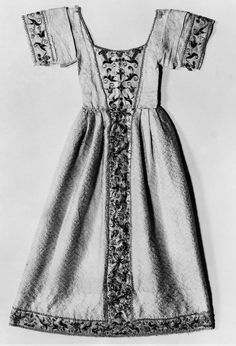 Statue robe | Museum of Fine Arts, Boston. Italian 16th century, Accession number 38.1219, not on display.