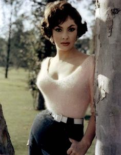 Gina Lollobrigida; definition of a bombshell, look at that waist size, 18 Inches maybe....
