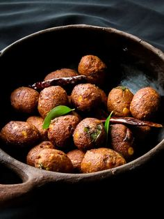 lentil fritters also known as parippu vadai is a popular street food and tea time snack. Healthy Vegan Snacks, Vegan Recipes, Cooking Recipes, Vegan Vegetarian, Deep Fried Bananas, Fried Beans, Sri Lankan Recipes, Tea Time Snacks, Vegan Dinners