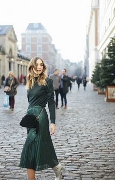 (Jumper: C/O & Other Stories , Skirt: C/O & Other Stories , Bag: Old Bershka but similar here , Boots: Camilla Elphick ) Being ess...