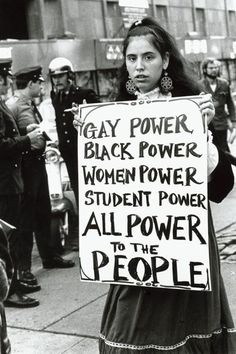 Protester at NY s Weinstein Hall demonstration for the rights of gay people on campus photographed by Diana Davies, 1970 Photo Instagram, Instagram Posts, Haha, Plakat Design, Protest Signs, Who Runs The World, Power To The People, Intersectional Feminism, Powerful Women