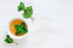 5 ceaiuri care tratează tusea în mod eficient - Doza de Sănătate Panna Cotta, Mint, Ethnic Recipes, Food, Girl Reading, Libros, Dulce De Leche, Essen, Meals