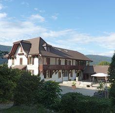 Switzerland 2075 Thielle-Wavre Cabin, House Styles, Switzerland, Houses, Home Decor, Home, Homes, Decoration Home, Room Decor
