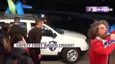 Crash van de Safety First wagen tijdens de première van de film.