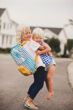 School has officially started which means Lucy is in Pre-Kindergarten, and Greta sits in the doorway sobbing whenever she leaves! It's both heartbreaking. Cute Family, Family Goals, Family Kids, Cute Kids, Cute Babies, Baby Kids, Kids Boys, Somewhere Devine, Theme Tunes