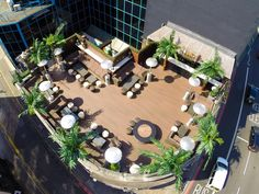 Rooftop Terrace And Roof Garden Bar In Shoreditch If you are Looking for the best rooftop bars in Shoreditch? Golden Bee has a fantastic rooftop terrace and garden bar, perfect for long summer evenings and cosy winter nights. Wood Pergola, Pergola Canopy, Deck With Pergola, Cheap Pergola, Covered Pergola, Pergola Shade, Pergola Plans, Diy Pergola, Pergola Kits