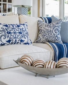 I love this couch and the lamp, pillows. Living room pillows Blue and white living room pillows on linen sofa. Kim E Courtney Interiors & Design Inc. Pillow Room, Living Room Pillows, Living Room Decor, Home Design, Interior Design, Design Ideas, Blue And White Living Room, Couch Design, Pillow Design