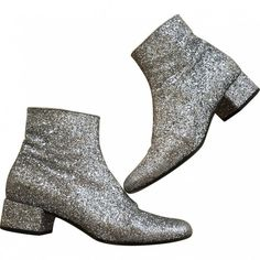 Saint Laurent glitter boots silver SAINT LAURENT (9,845 MXN) ❤ liked on Polyvore featuring shoes, boots, ankle booties, glitter booties, silver booties, yves saint laurent booties, yves saint laurent boots and silver glitter boots