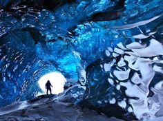 Le glacier Vatnajökull, dans le sud est de l'Islande également appelé grotte de cristal.