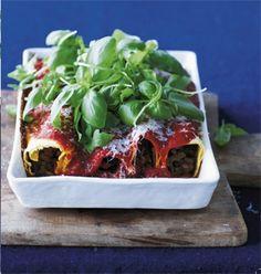 Få opskriften på Cannelloni med oksekød og tomatsauce, en lækker hverdagsret du kan forberede på 35 minutter.