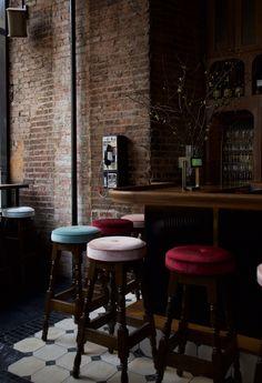 THE SPANIARD — HOME STUDIOS Bar Lounge, Lounge Areas, Breakfast Cafe, Hospitality Design, Home Studio, Cool Bars, Furniture Styles, Restaurant Bar, Restaurant Interiors