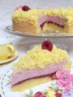 Vi avevo promesso una nuova versione della delicata torta mimosa ed eccovi qua accontentati!!  Questa l'ho preparata in occasione del 9...