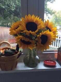 #fall #falldecor #home #homedecor #decor #windowsill #sunflowers #pumpkins #gourds #candles #lanterns #baskets