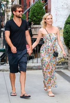 Diane Kruger and Joshua Jackson Hold Hands - Pictures - Zimbio