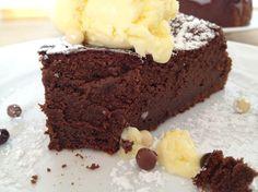 Orange cake without flour - HQ Recipes Gluten Free Treats, Brownie Cake, Chocolate Desserts, Tarta Chocolate, Huevos Chocolate, Chocolate Smoothies, Chocolate Mouse, Chocolate Shakeology, Chocolate Drizzle