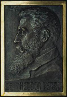 Theodor Herzl (Budapest, 1860 - Edlach, 1904) Boris Schatz (Varna, 1867 - Denver, 1932) 1905 Bronze 40 x 28 cm Photo Gilles Berizzi. Réunion des Musées Nationaux, Paris