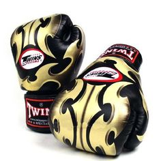 TWINS SPECIAL BLACK ROMAN BOXING GLOVES PREMIUM LEATHER W/ VELCRO (14 oz.) TWINS SPECIAL http://www.amazon.ca/dp/B00BJFBSWY/ref=cm_sw_r_pi_dp_k1giub0QV0SX8