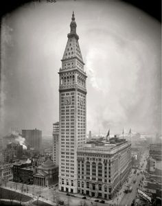Metropolitan Life Insurance Company Tower at 700 ft. (1909) [1500x1912] - Imgur