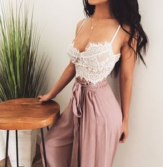 Pretty Dress Ideas For Hot Summer That Looks Cool - Finding the perfect dress for summer can be tricky. Finding that perfect dress that is a flattering fit; covering the areas we want hidden and accentu. Lace Short Outfits, White Skirt Outfits, Summer Outfits, Casual Outfits, Cute Outfits, Fashion Outfits, Womens Fashion, 90s Fashion, Fasion