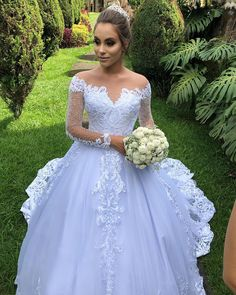 Photo by Atelie May Lysakowski on March La imagen puede contener: 1 persona Cute Wedding Dress, Beautiful Wedding Gowns, Princess Wedding Dresses, Bridal Dresses, Dream Wedding, Couples African Outfits, Elegant Dresses, Formal Dresses, Lace Dress