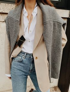 casual outfit tips Fashion Mode, Denim Fashion, Look Fashion, Fashion Outfits, Classy Fashion, Sweater Fashion, Fashion Clothes, Fashion Tips, Mode Outfits