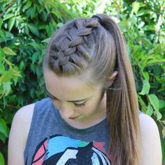 3 Beaming Tips: Women Hairstyles Updos Bangs tight braided hairstyles.Pixie Hairstyles For Teens asymmetrical hairstyles edgy. French Braid Ponytail, French Braid Hairstyles, Feathered Hairstyles, Ponytail Hairstyles, Hairstyles With Bangs, Girl Hairstyles, Hairstyle Ideas, French Braids, Teenage Hairstyles