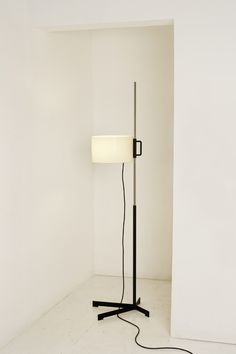 Santa & Cole | TMC | Floor lamp light by Miguel Mila