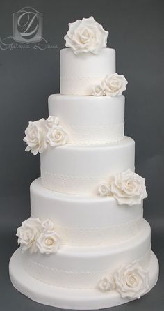 Indescribable Your Wedding Cakes Ideas. Exhilarating Your Wedding Cakes Ideas. Pretty Cakes, Beautiful Cakes, Amazing Cakes, White Cakes, White Wedding Cakes, Pink Cakes, Buttercream Wedding Cake, Cake Trends, Dream Cake