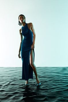 The Attico Resort 2021 collection, runway looks, beauty, models, and reviews. Fashion Week, Fashion 2020, Fashion Show, Fashion Design, Runway Fashion, Vogue Paris, Mode Editorials, High End Fashion, Mannequins