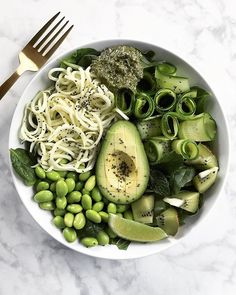 Superfoods Nourish Bowl || Happy Easter to everyone who celebrates! And a very happy Sunday to you all, may you all have a wonderful day. As for this bowl, It's made with a bed of fresh spinach + zoodles (zucchini noodles) + edamame + zucchini ribbons + a dollop of fresh pesto + sprinkles of chia seeds to add a little crunch! And the dressing is made from organic cold-pressed hemp oil + lime juice + sea salt + black pepper! Delicious, quick, and simple.realandvibrant