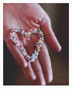 <3 this easy Valentine's DIY: Hot Glue Hearts!
