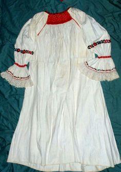 Romanian blouse. Mures region. 19th c. Folk Costume, Costumes, Folk Clothing, Romania, Textiles, Embroidery, Blouse, Inspiration, Biblical Inspiration