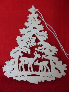 Allemand fait main bois Noël ornement Made in Germany, main en bois - cerf dans le sapin