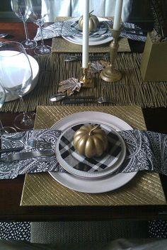 Lisa Frederick on Houzz.com: painting pumpkins.  Nice examples.
