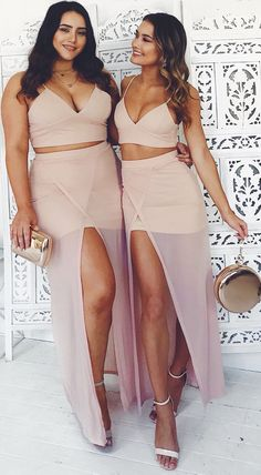 Pinned onto 2018 winter outfits Board in 2018 winter outfits Category Cute Comfy Outfits, Stylish Outfits, Cool Outfits, Curvy Women Fashion, Plus Size Fashion, Girl Fashion, Curvy Girl Outfits, Plus Size Outfits, Two Piece Dress