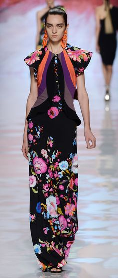 Etro Woman Spring Summer 2013 Runway Show