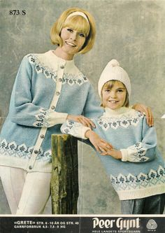 Grete 873 S Love Blue, Blue And White, Embroidery Patterns, Knitting Patterns, Knitting Ideas, Knit Stranded, Tapestry Weaving, Vintage Knitting, Vintage Sweaters