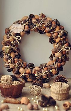 21 Unexpected Wreath DIY Ideas This pine cone and acorn wreath is perfect for your door this holiday season, on Vekoria.This pine cone and acorn wreath is perfect for your door this holiday season, on Vekoria. Diy Fall Wreath, Christmas Wreaths To Make, Noel Christmas, Fall Wreaths, How To Make Wreaths, Christmas Crafts, Wreath Ideas, Christmas Candy, Thanksgiving Wreaths