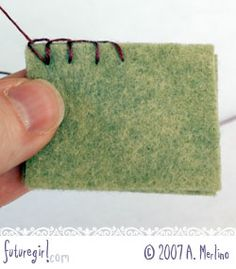 Futuregirl craft blog : Tutorial: Hand Sew Felt Using Blanket Stitch - PP - this is THE BEST tutorial on how to do blanket stitch I've ever found. Alice shows you how to neatly start stitching, how to hid the knot and even how to neatly stitch corners and around curves! Excellent and very comprehensive, thank you Alice! #embroidery #sewing #crafts #instructions #stitching