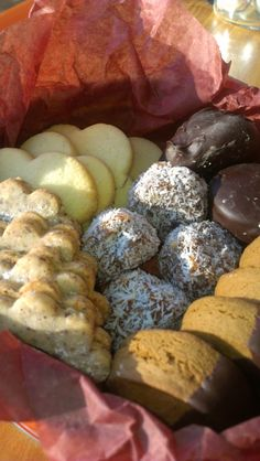 Holiday Specials from alumni of The French Pastry School, Jen Templeton of Gingersnap Sweets and Such. Sweet Pastries, French Pastries, French Pastry School, Ginger Snaps, Holiday, Christmas, Sweets, Cookies, Drink
