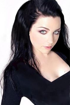 Amy Lee, Whenever I have black hair i often get told i look like her. love her!
