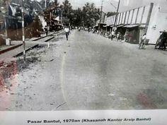 Pasar Bantul 1970 Yogyakarta, Surabaya, Old Pictures, Outdoor, Antique Photos, Outdoors, Old Photos, Outdoor Games, The Great Outdoors