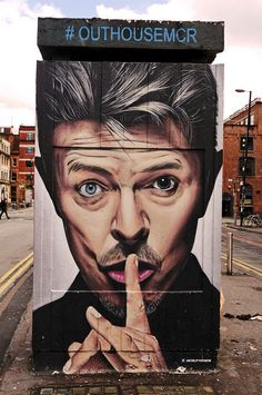 Bowie - Street Art in Manchester Murals Street Art, 3d Street Art, Street Art Graffiti, Street Artists, Banksy, Amazing Street Art, Amazing Art, Awesome, Francis Picabia