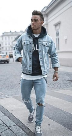 How to wear: light blue denim jacket, black and white print hoodie, white crew-neck t-shirt, light blue ripped skinny jeans