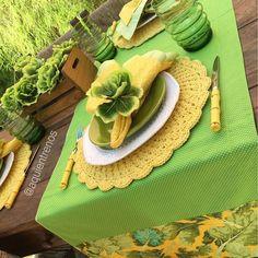 """""""A brasileiríssima mesa Esther!Perfeita para esta estação do ano. Contato:entrenos.aqui@gmail.com WhatsApp (24)988291514."""""""